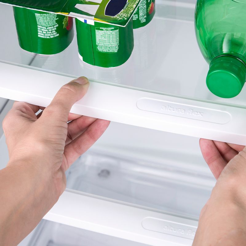 CRM43NB-geladeira-frost-free-380-litros-branca-prateleira-3000x3000